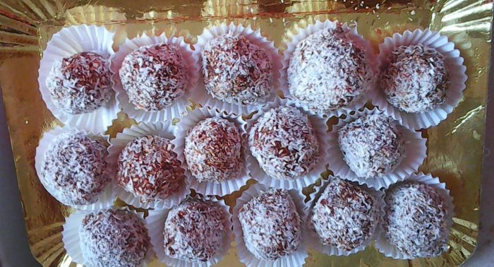 bomboane cu goji și nuci