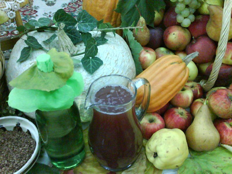 Must și fructe