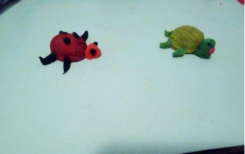 Jucării din coji de nuci