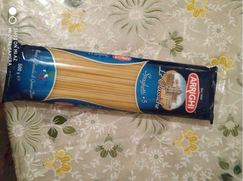 Budinci din spaghete cu fructe și nuci