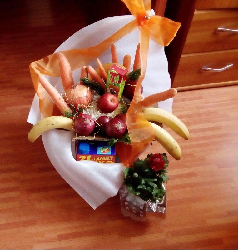 Buchet de legume și fructe