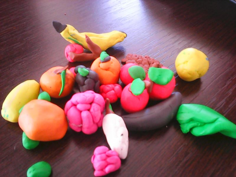 Fructe din plastilină