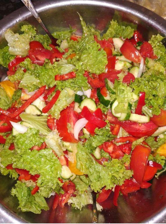Salata cu roșii