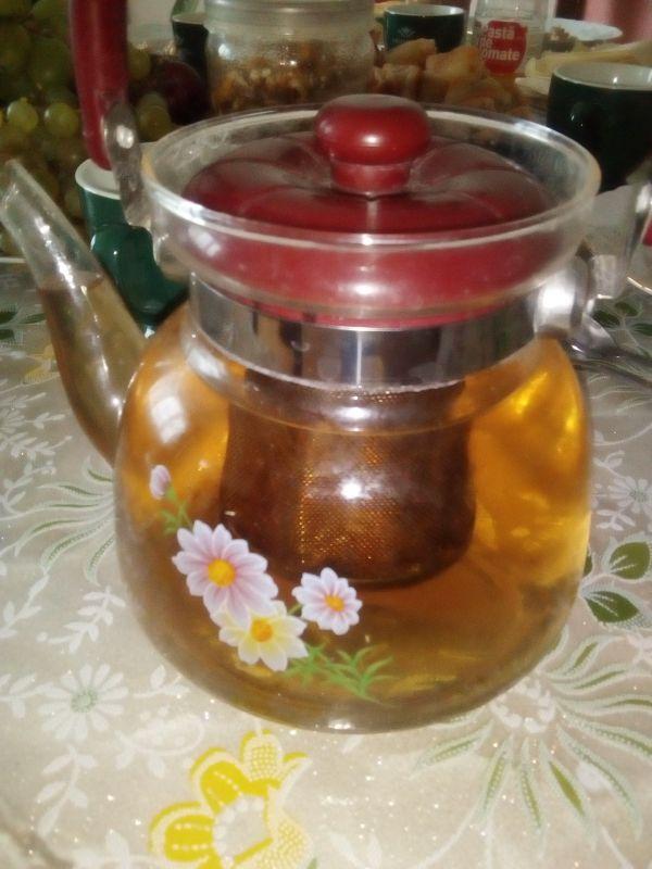 Ceai din fructe și plante medicinale