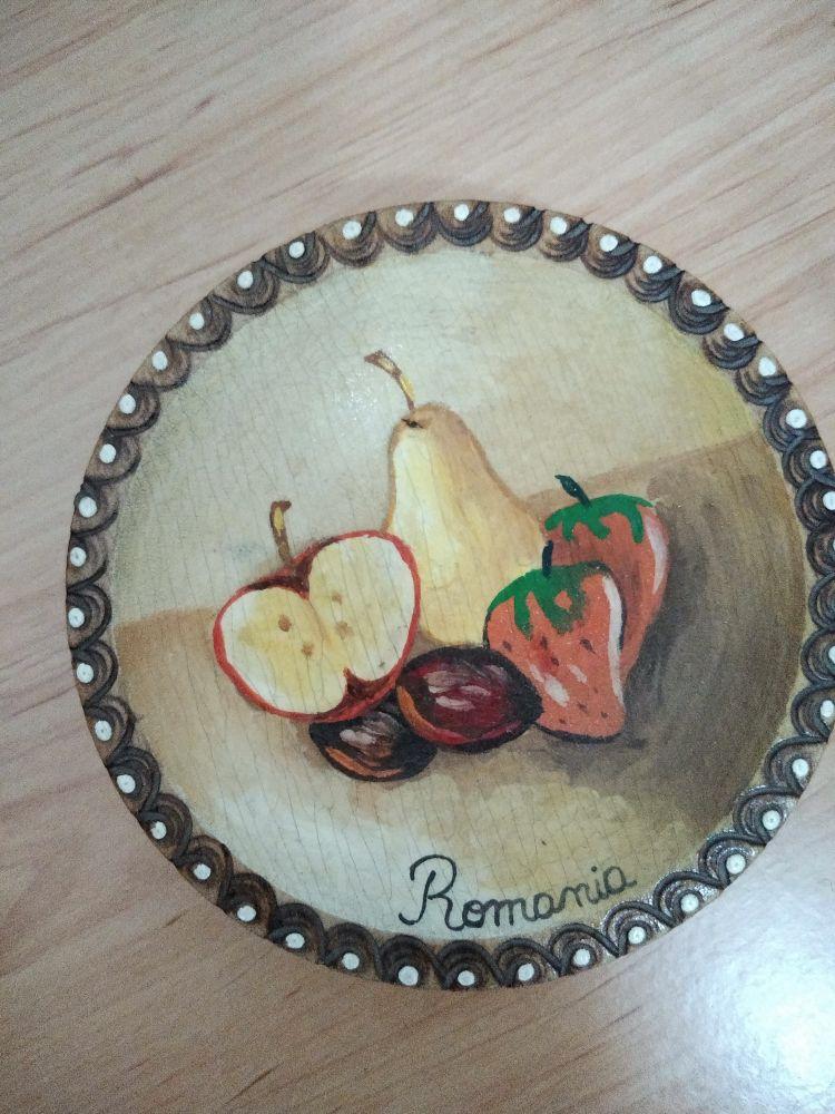 Suvenir - farfurioara cu fructe