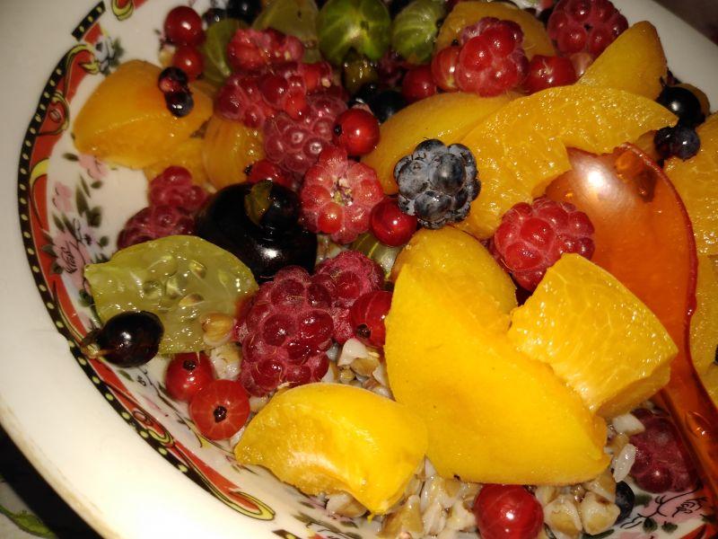 Hrișcă cu fructe de pădure
