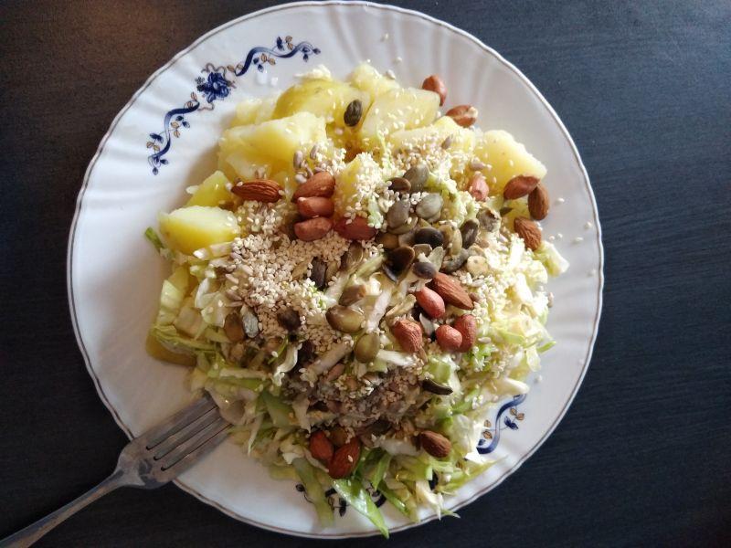 Salata de cartofi cu seminte de dovleac