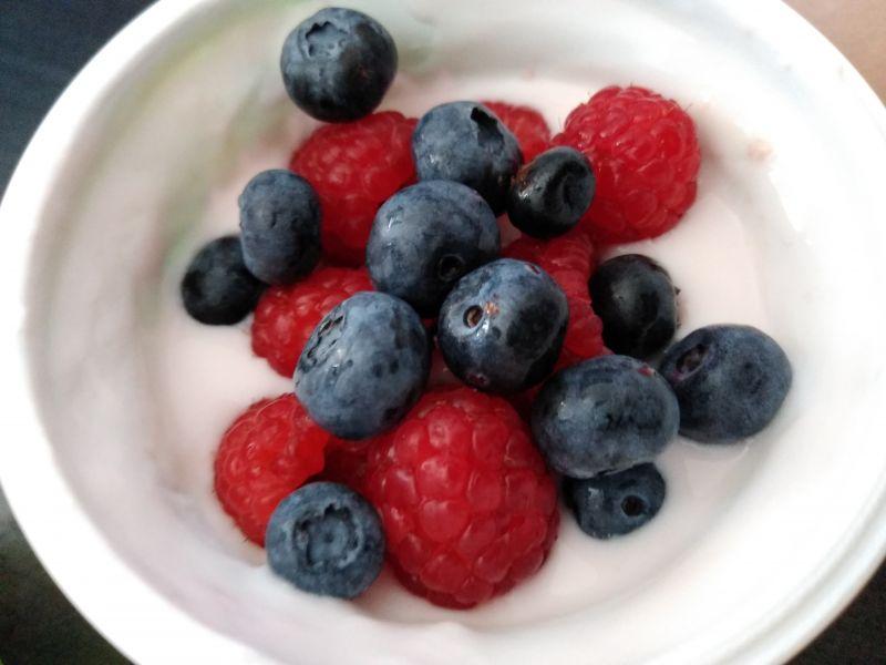 Beneficiile curelor cu fructe de pădure