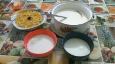 Mic dejun cu lapte și fulgi de porumb