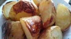 Cartofi copți în coajă