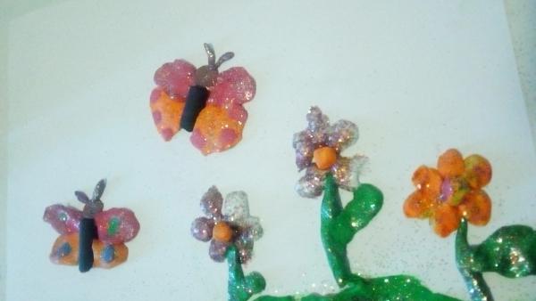 Fructe, flori și fluturi – povestire de vară pentru copii