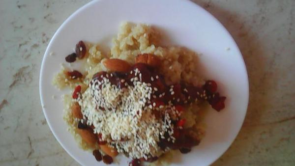 Mic dejun cu quinoa